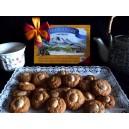 Moncayicos. Caja de galletas con almendras.